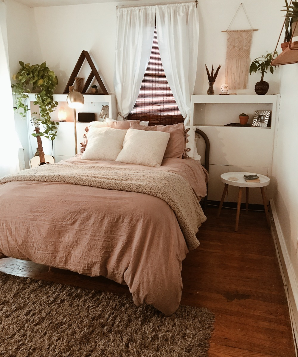 Bedroom Makeover – Your Thrifty Gypsy